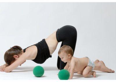 Gimnàstica hipopressiva post-part mares i nadons